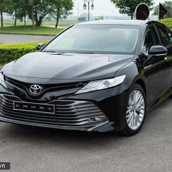 Ngoại thất xe Toyota Camry 2020